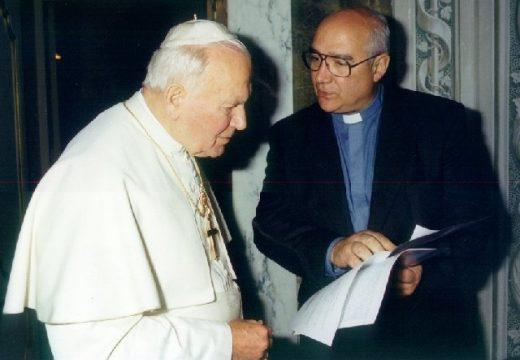Ο π. Κάρλος Μπουέλα – ιδρυτής του Τ.Ε.Λ.